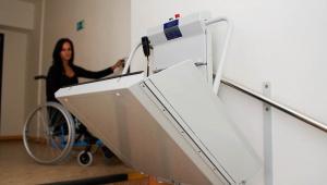 Platforma przyschodowa D-TA - tor prosty (platforma dla niepełnosprawnych D-TA) www.liftplus.pl